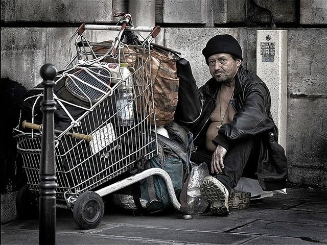homeless_mgn_online